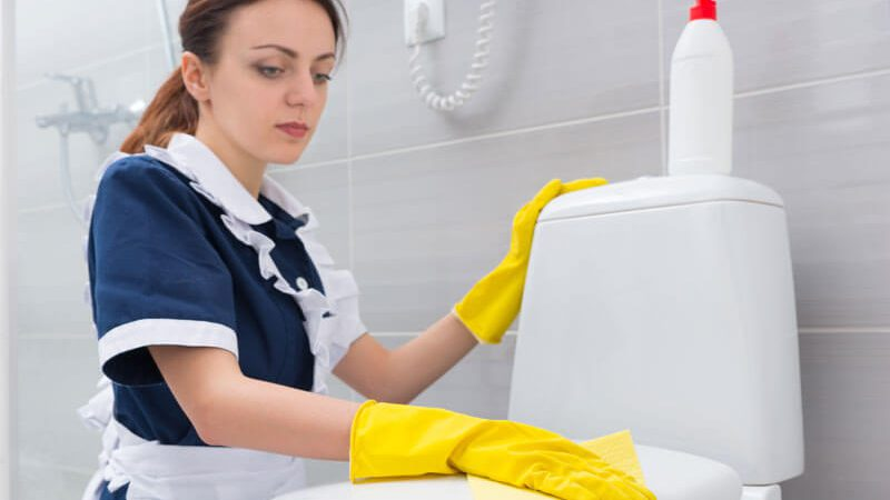 10 Steps to Clean the Bathroom